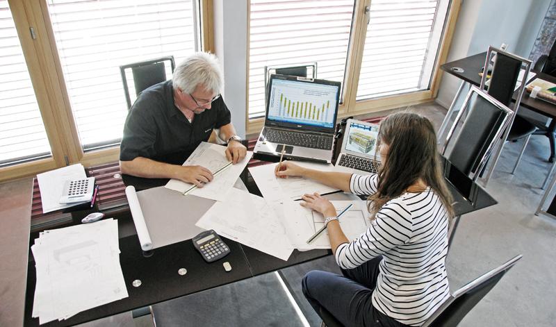Equipe de professionnels qualifiés dans la construction performante pour Chloé, la maison passive
